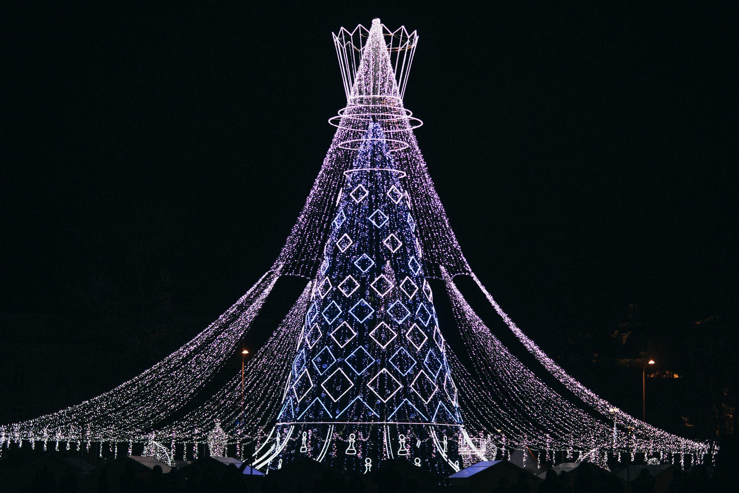 Queen Chirstmas tree in Vilnius